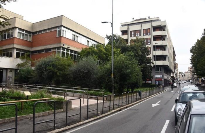 Via Angelo Mai con l'Istituto Secco Suardo in primo piano