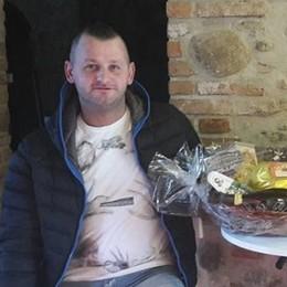 Muore per un malore a 41 anni Trovato in casa dalla fidanzata