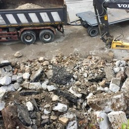 Piazza Brembana e il crollo  -Video Nessun ferito, ora si pensa ai lavori - Foto