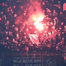 Atalanta-Dinamo: scontri tra ultrà Il bilancio è di nove feriti: il video