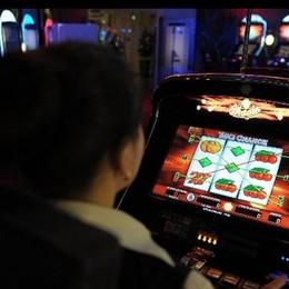 Lavoratori dipendenti e gioco d'azzardo «Ogni mese bruciati 30 milioni di euro»