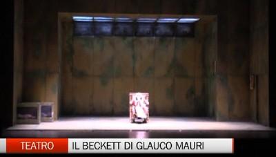 Gluaco Mauri al teatro Sociale  In scena c'è Beckett