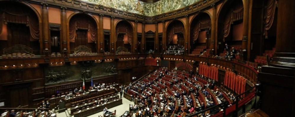 Quanto versano i parlamentari al partito? Lega record: 488 mila euro in due anni
