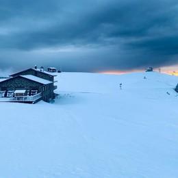 A Valtorta nuova «nera» per Busi Prima neve, al via la stagione sciistica