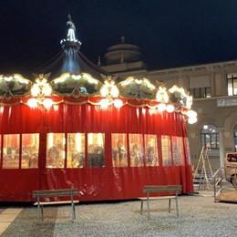 Bergamo, torna la giostra dei cavalli In centro si respira già aria di Natale