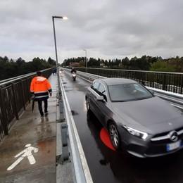 Calusco, ponte riaperto alle auto - Foto «E ok ai binari tra Bergamo e Orio»