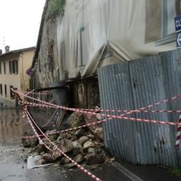 Crolla un edificio a Cerete alto Nessun ferito: verrà demolito