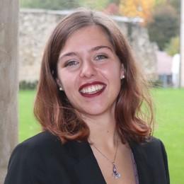 Irene tra lavoro e università a Bergamo La sua è la prima laurea in apprendistato
