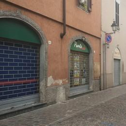 Malore prima di entrare al supermercato Brignano, muore anziano di Treviglio