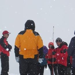 Neve, l'allerta del Soccorso alpino: «Attenti, in montagna con sicurezza»