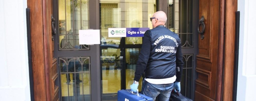 Rapina alla banca di via Partigiani - Video Preso  pregiudicato: era in semilibertà