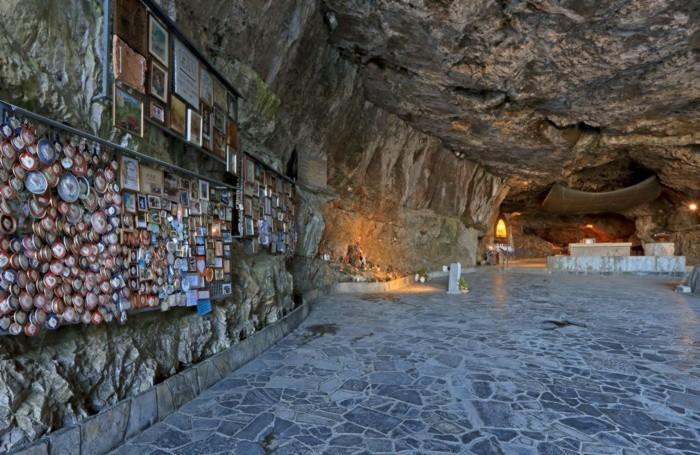 Il Santuario della Cornabusa a Sant'Omobomo Terme
