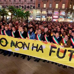 Sindaci a Milano: sostegno alla Segre «Anche la Lega contro odio e razzismo»