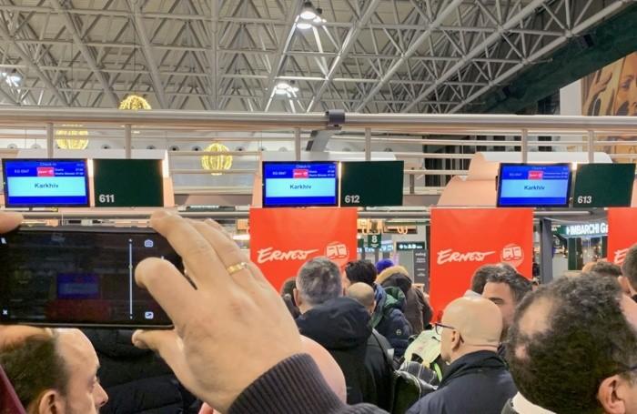 I tifosi in partenza da Milano Malpensa