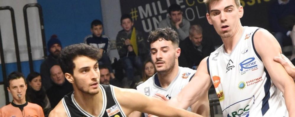Basket, il derby va a Treviglio Bergamo sempre più fanalino di coda