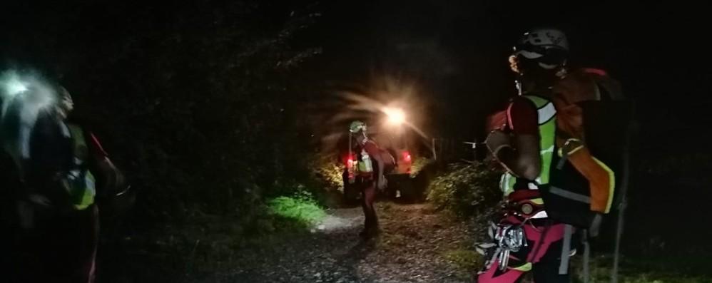 Branzi, giovane disperso nei boschi Ritrovato dal Soccorso alpino: illeso