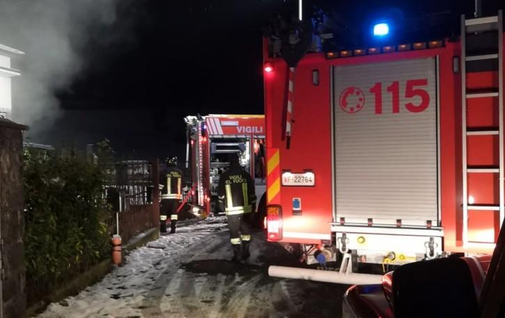 Incendio in un appartamento a Casnigo Paura per il proprietario, illeso