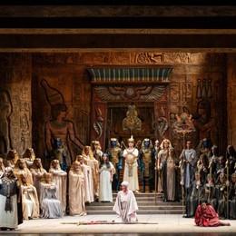 Lirica, un'Aida da cartolina Domenica replica al Sociale