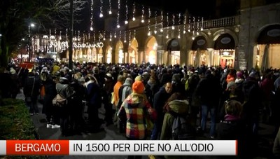 Sardine - In 1500 a Bergamo per dire no all'odio