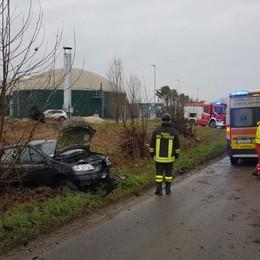 Romano, perde il controllo dell'auto e finisce fuori strada: grave 46enne