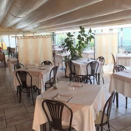 Bimbi e disabili al ristorante Paga un anonimo benefattore