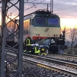 Brescia, auto travolta dal treno Traffico ferroviario in tilt