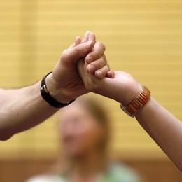 «Mia figlia a casa, ma non evitateci» Meningite, in fila per vaccinarsi a Villongo