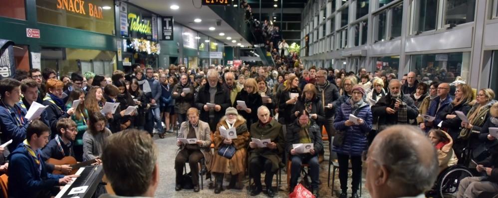 Natale, Messa della vigilia in stazione «Gesto di vicinanza verso gli ultimi»