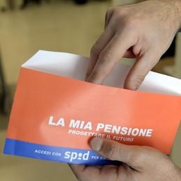 Pensioni, piange il piatto degli aumenti Per le minime 5 euro al mese