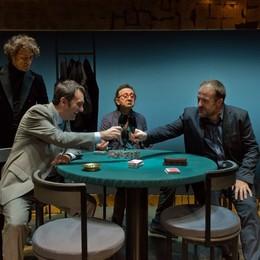 Una strana partita di poker a Natale Quattro amici tra affetto e conflitti irrisolti