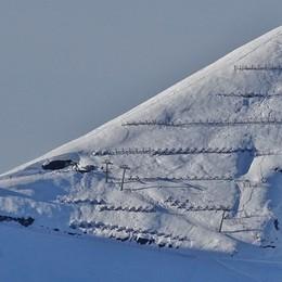 Valbondione, bimbo scivola sulla neve Soccorso con l'elicottero: è grave