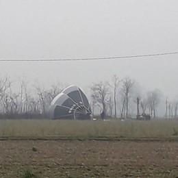 Atterraggio d'emergenza nei campi A Urgnano plana una mongolfiera
