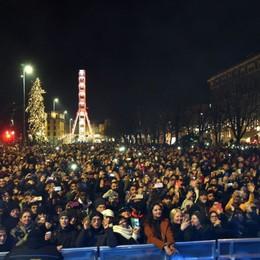 Capodanno a Bergamo, un successo     Migliaia in centro per salutare il 2020