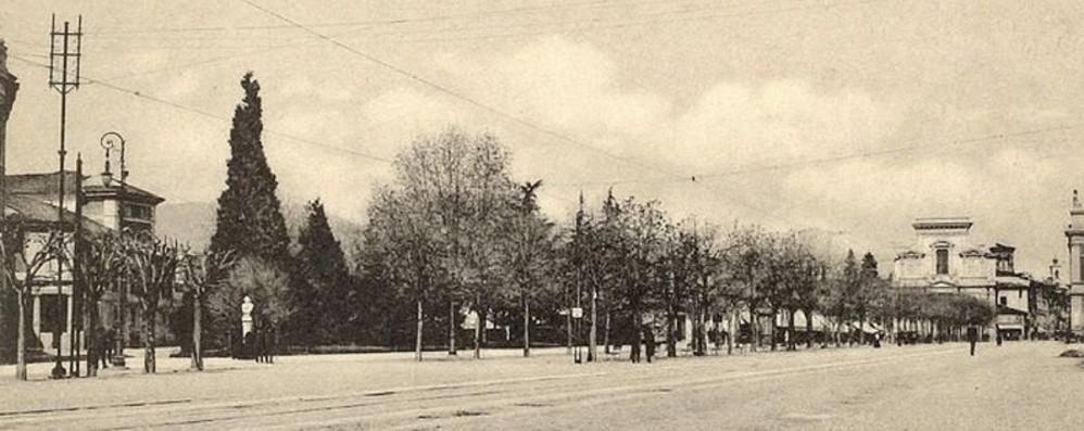 Piazza Cavour e il Sentierone Il cuore del centro 105 anni fa