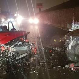 Val Seriana, incidente sulla Provinciale  Frontale tra due auto: quattro i feriti