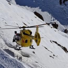 Valbondione, scivola per venti metri Giovane soccorsa con l'elicottero: grave