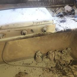 Valtorta, esplode bombola di gas - Foto Casa distrutta, anziano in pericolo di vita
