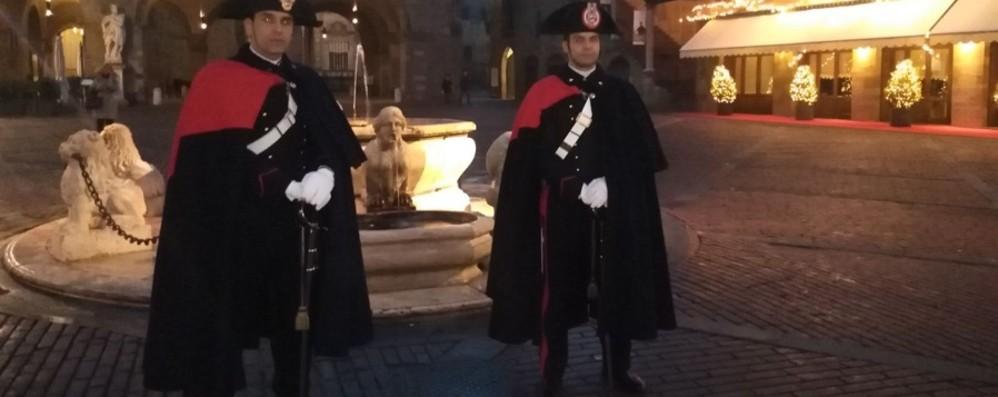 Bergamo, i carabinieri in alta uniforme presidieranno il centro durante le feste