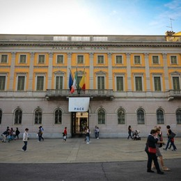 Bergamo, in arrivo nuovi sacchi per i rifiuti «Oltre una certa quota si pagheranno»