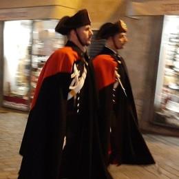 Carabinieri in alta uniforme a Clusone «Tra la gente: così siamo ancor più vicini»