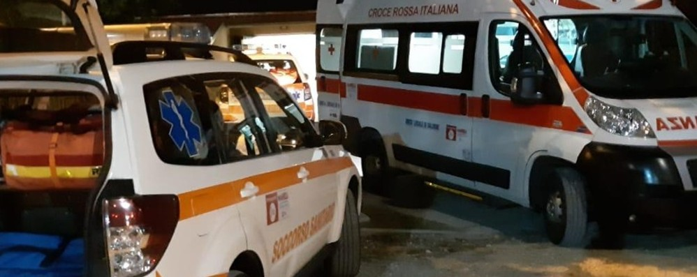 Auto si ribalta nella notte a Gandellino Feriti cinque giovani: non sono gravi