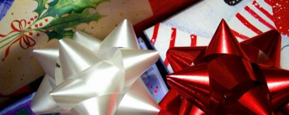 Sapete fare i pacchetti regalo? Cesvi cerca volontari per Natale