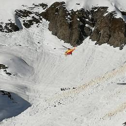 Valanga, due gli scialpinisti travolti  Feriti ma salvi: il più grave è un uomo