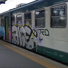 Domenica sciopero dei treni Trenord: si lede il diritto alla mobilità