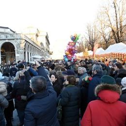 Natale a Bergamo, 185 € a testa per i doni Bancarelle di S. Lucia in arrivo, nuova Ztl