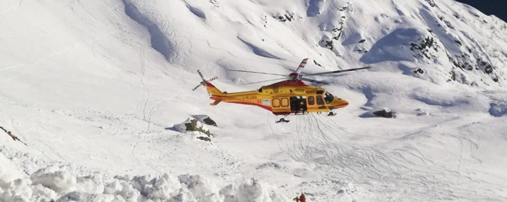 Slavina in alta Val Brembana Lo scialpinista resta in Terapia intensiva