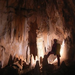 Stare al fresco in 5 meravigliose grotte bergamasche