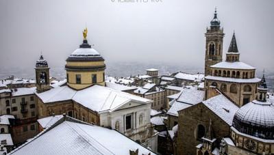 «Città Alta, tetti imbiancati...»