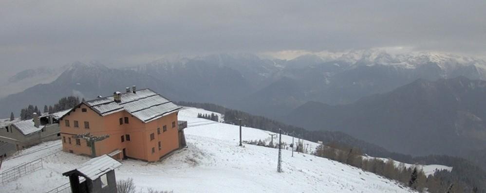 Le previsioni: fiocchi  per tutta la giornata  Fino a oltre 40 centimetri di neve in quota