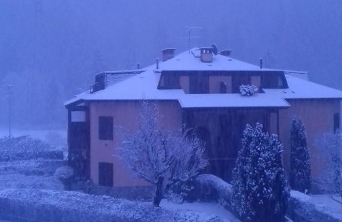 Neve abbondante anche a Gromo